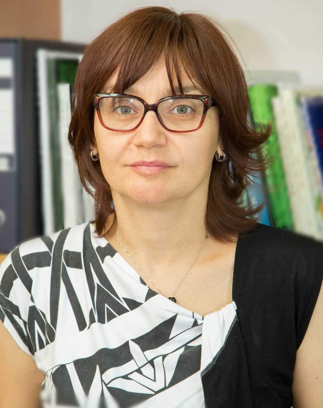 - Damjanović Vratnica Biljana