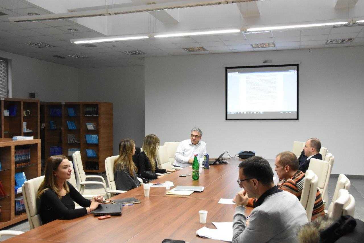 Članovi Radne grupe pripremaju izvještaje u procesu samoevaluacije