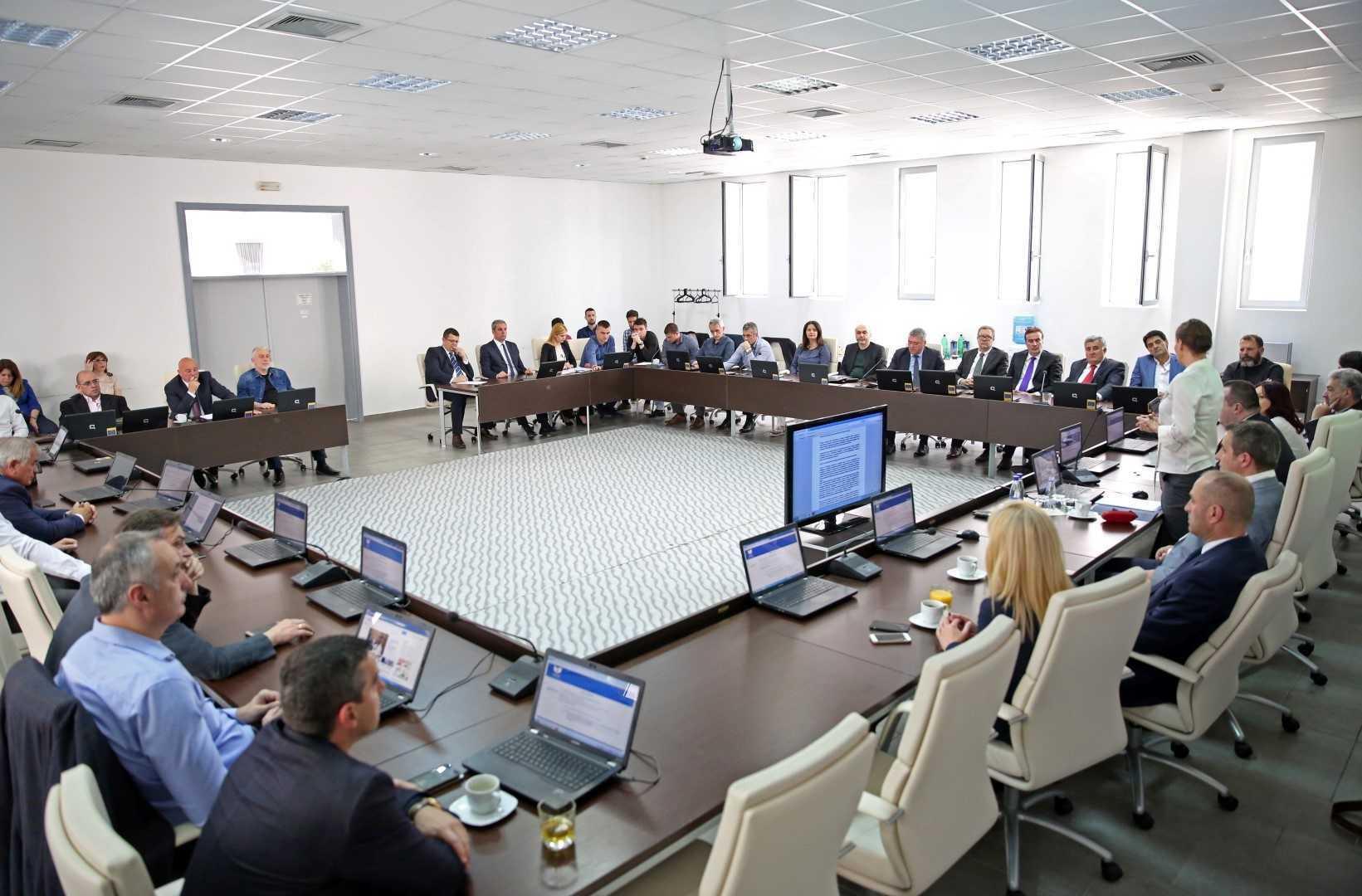 Slučaj Srđana Vukadinovića zagušen bukom i bijesom gubitnika u akademskom i pravnom sporu
