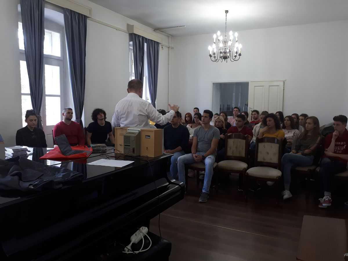Gostujuća predavanja prof. dr Gregory Pozniaka, University of Opole