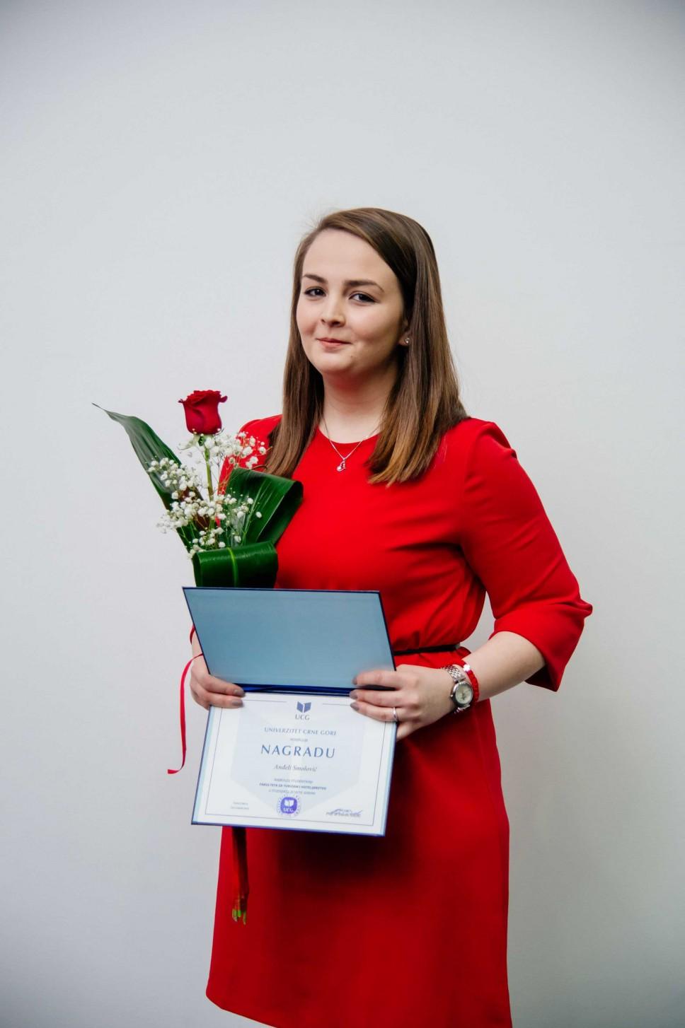 Anđela Smolović, najbolji student Fakulteta za turizam i hotelijerstvo