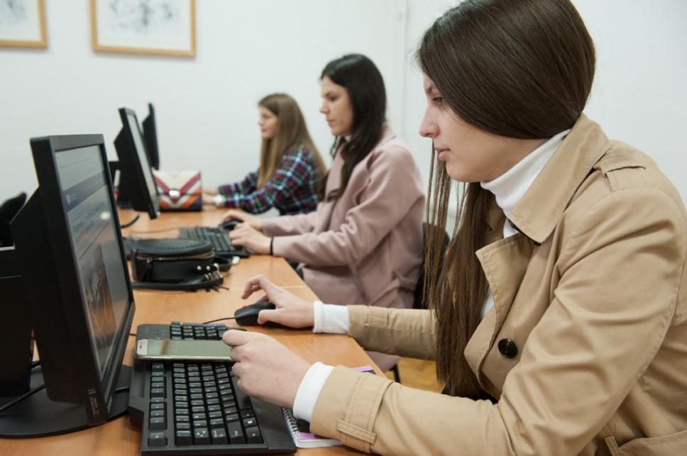 Na Univerzitetu Crne Gore registrovano 3.241, prijavljeno 2.160 kandidata, drugog dana upisa do 12.00 sati