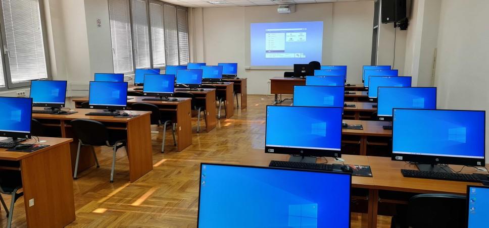 Korišćenje akademskog e-mail servisa i platforme za učenje na daljinu omogućeno i za novoupisane studente
