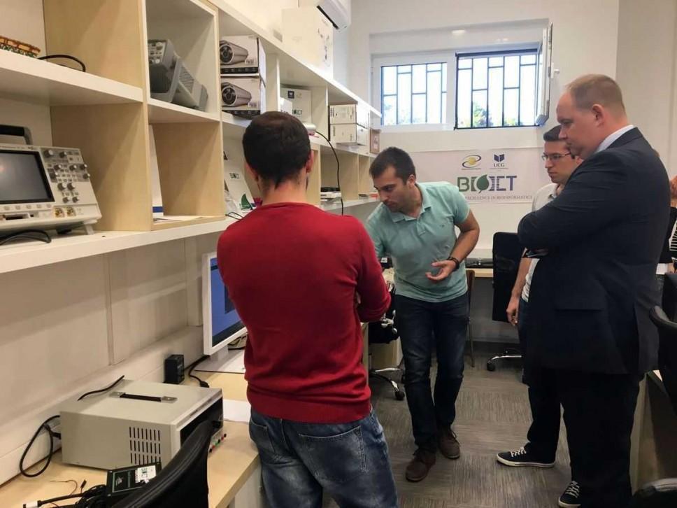 Ambasador Estonije u Crnoj Gori u posjeti BIO-ICT Centru izvrsnosti na Elektrotehničkom fakultetu