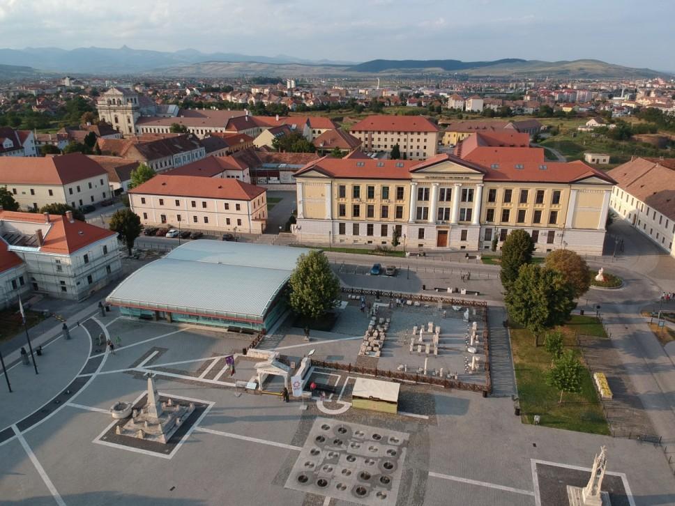 Gostujuće onlajn predavanje profesora rumunskog Univerziteta Alba Iulia