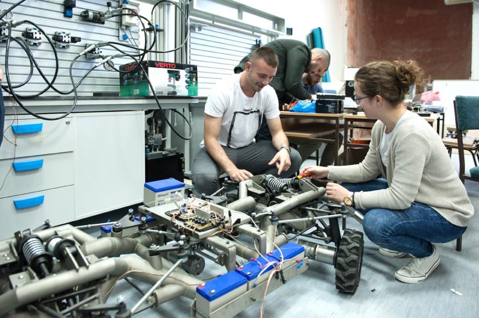 Dekan Vušanović: Industrija traži inženjere sa multidisciplinarnim znanjem kakvo nudi master program Mehatronika
