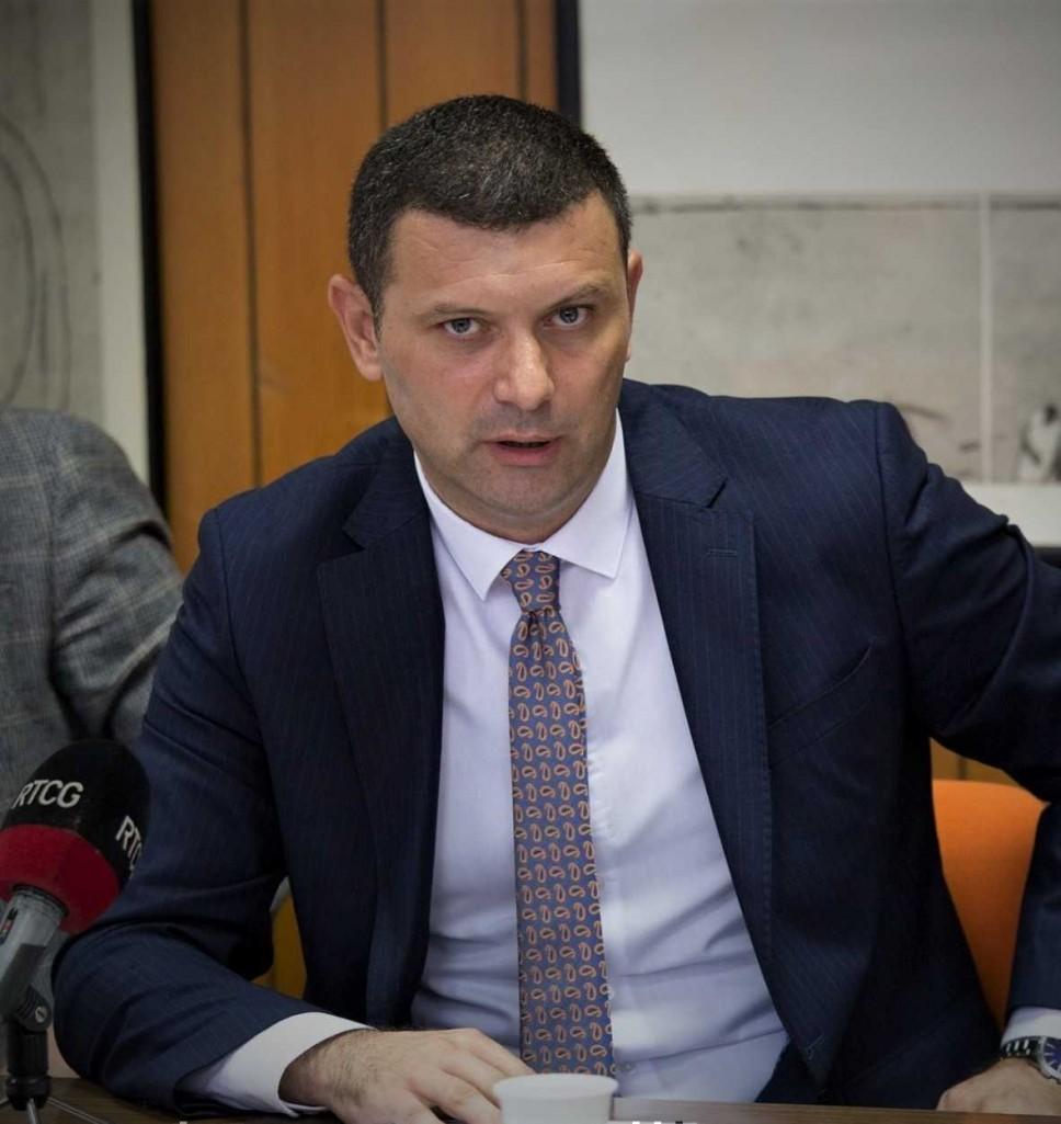 Adnan Prekić - biografija